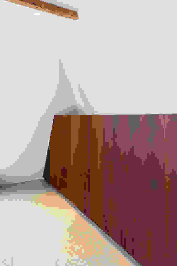 maatwerk kast ÈMCÉ interior architecture Moderne slaapkamers
