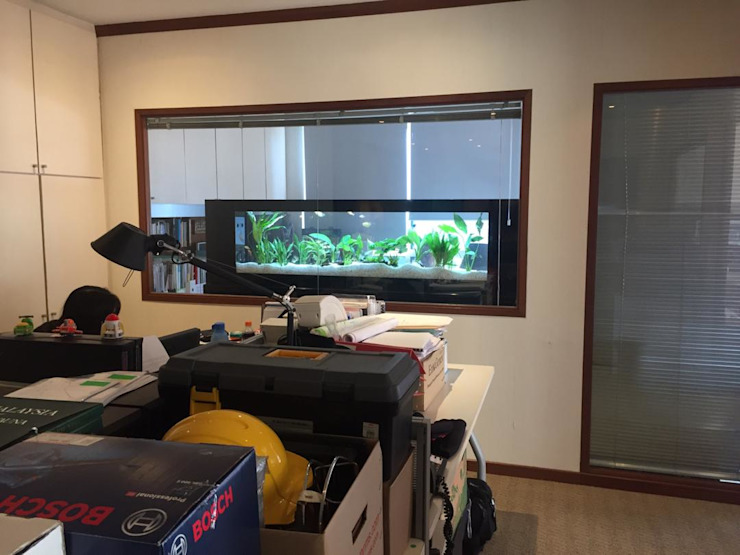 See Through Aquarium—Office Seazone Office buildings
