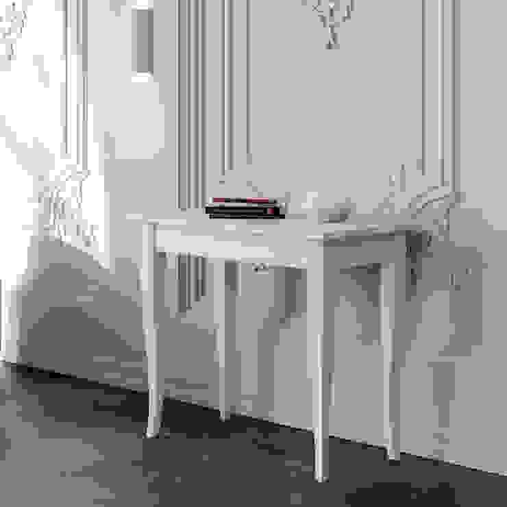 Sciabola itamoby Ingresso, Corridoio & Scale in stile classico Legno Effetto legno