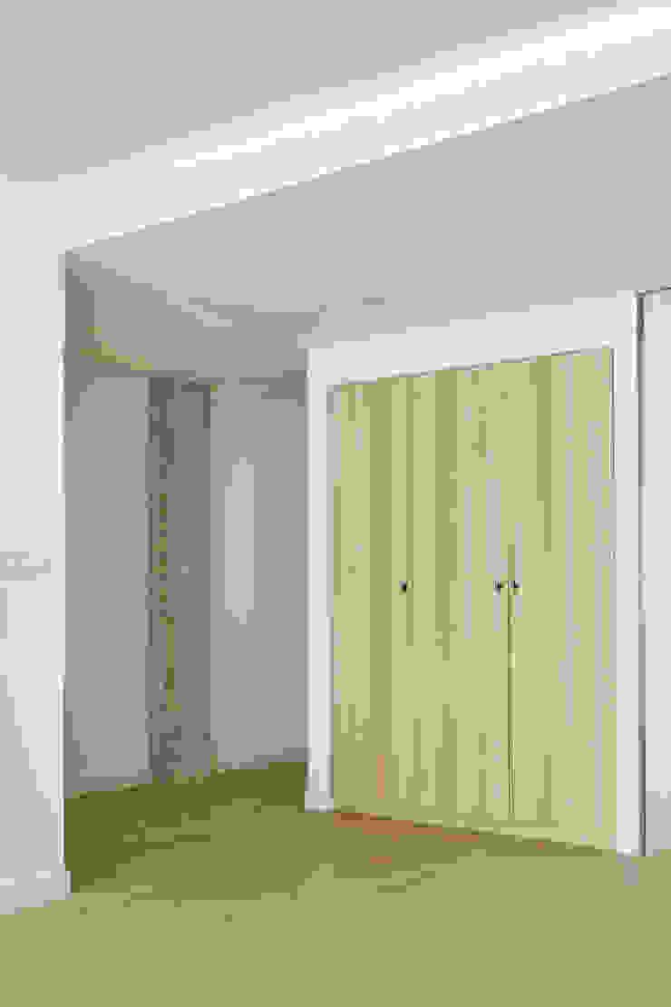 itta estudio Scandinavian corridor, hallway & stairs