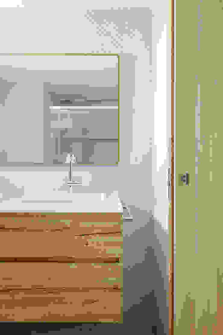 itta estudio Scandinavian style bathrooms