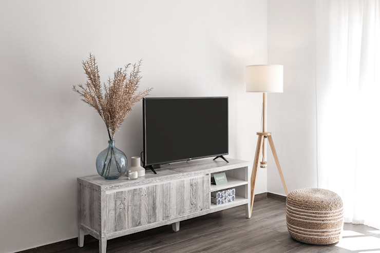 Hoost - Home Staging Living roomTV stands & cabinets