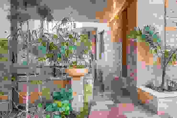 Entrance Modern houses by Art Space Design studio Modern