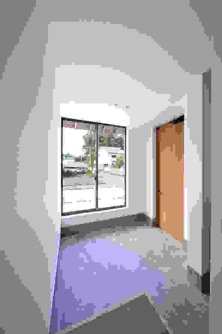 キリコ設計事務所 Couloir, entrée, escaliers originaux