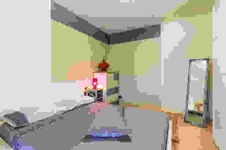 Camera da letto Camera da letto moderna di Essestudioarch Moderno