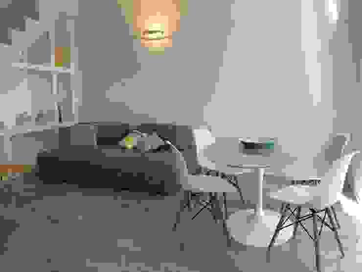 Studio Zay Architecture & Design Moderne Wohnzimmer Marmor Weiß