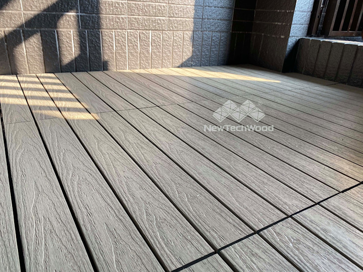 【尺寸混搭的工作陽台|#古木色快組地板】 新綠境實業有限公司 Balcony Wood-Plastic Composite Wood effect