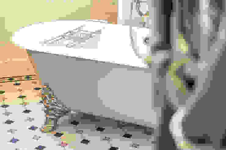 Traditional Bathrooms GmbH Classic style bathroom