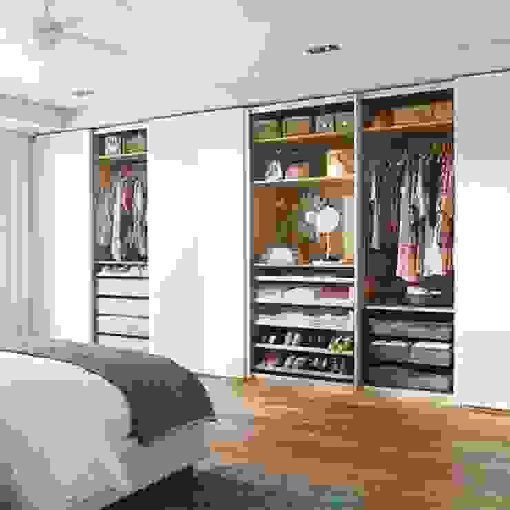 Roupeiro Design & Elegância Closets modernos Aglomerado Branco