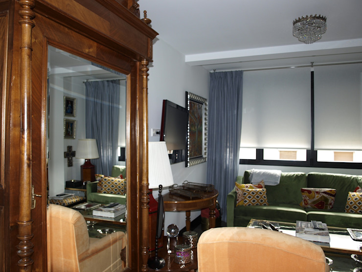 Estudio RYD, S.L. Classic style living room White