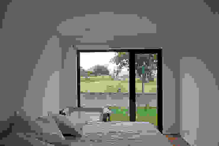 AD+ arquitectura Modern Bedroom Wood
