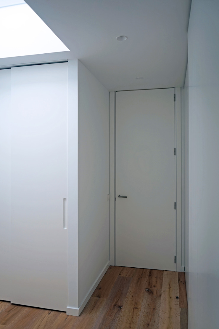 AD+ arquitectura Modern Dressing Room Wood