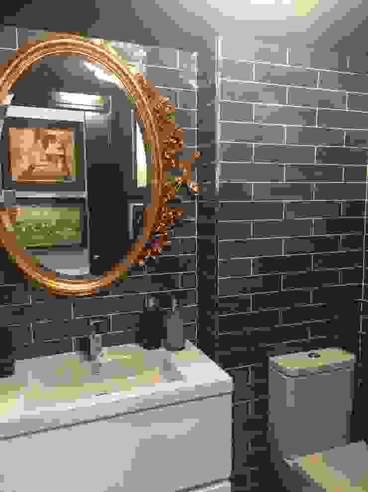Estudio RYD, S.L. BathroomMirrors Solid Wood Amber/Gold