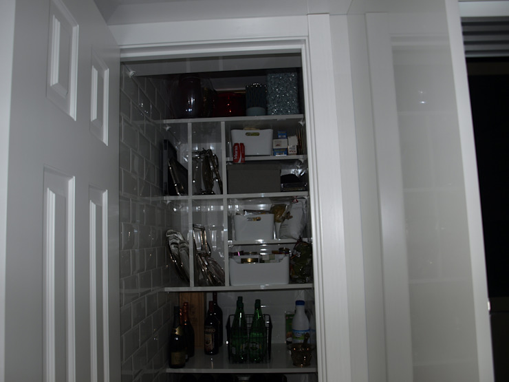 Estudio RYD, S.L. KitchenStorage Wood White