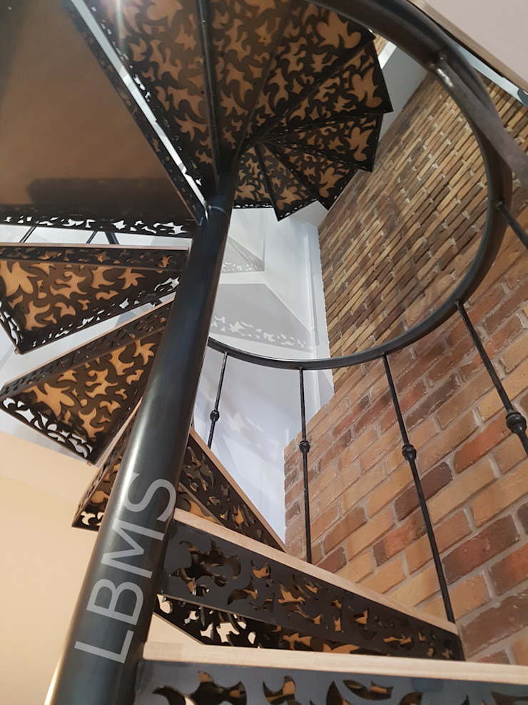 Escalier métallique arabesque LBMS. Fabrice Lamouille Escalier Métal