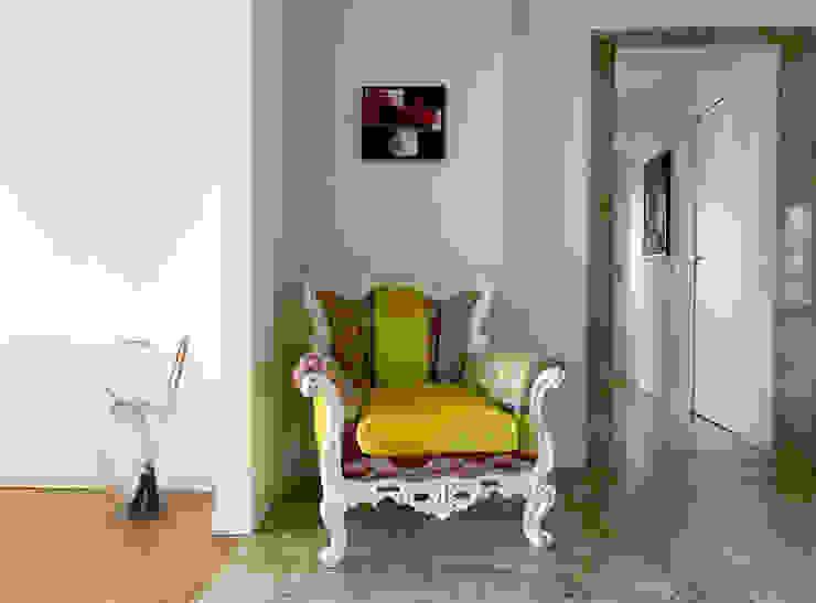 Ingresso/Corridoio Ingresso, Corridoio & Scale in stile eclettico di Studio Zay Architecture & Design Eclettico Marmo