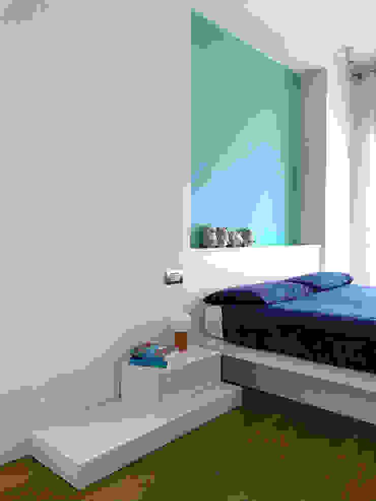 Camera 01 Camera da letto minimalista di Studio Zay Architecture & Design Minimalista Legno Effetto legno