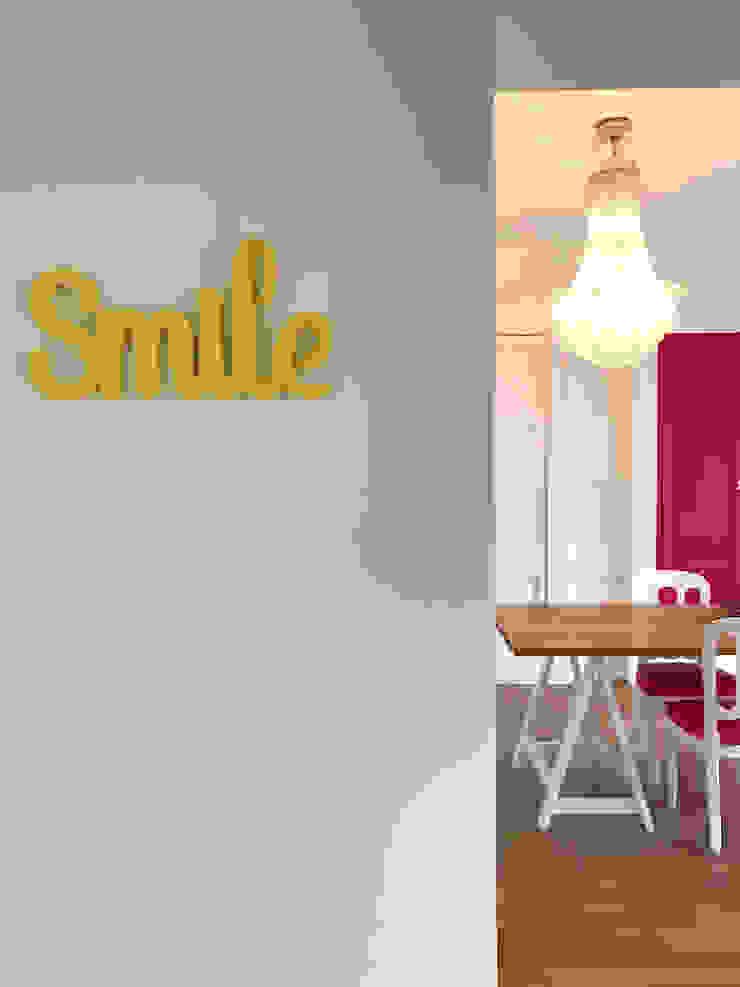 Sala da pranzo Sala da pranzo eclettica di Studio Zay Architecture & Design Eclettico Legno Effetto legno