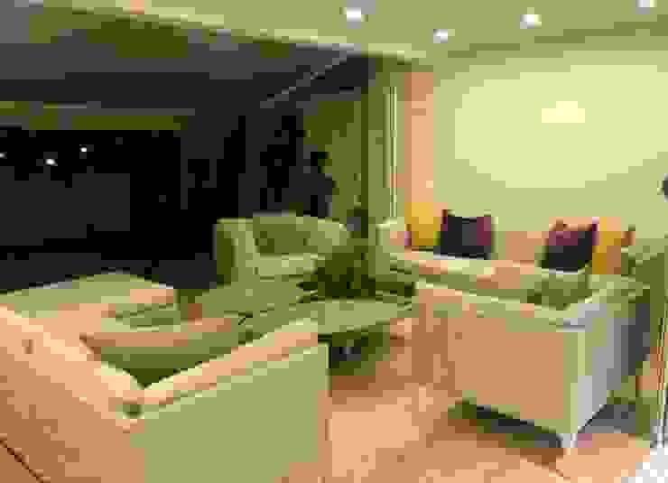 THE muebles Modern living room Aluminium/Zinc Beige