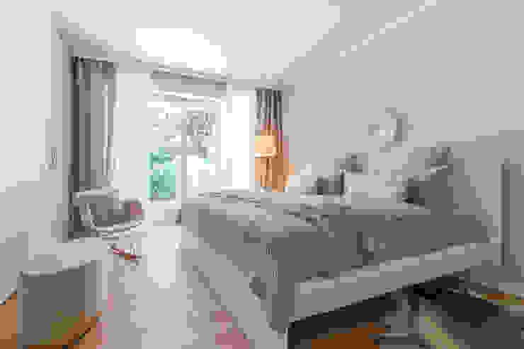Münchner home staging Agentur GESCHKA Classic style bedroom Beige