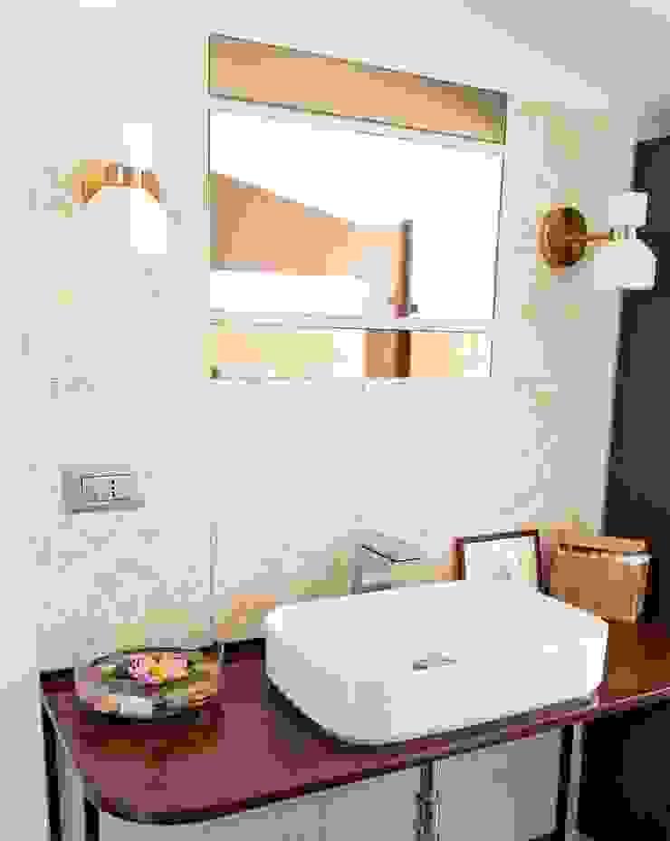 Lavandini su misura Bagno moderno di antonio felicetti architettura & interior design Moderno