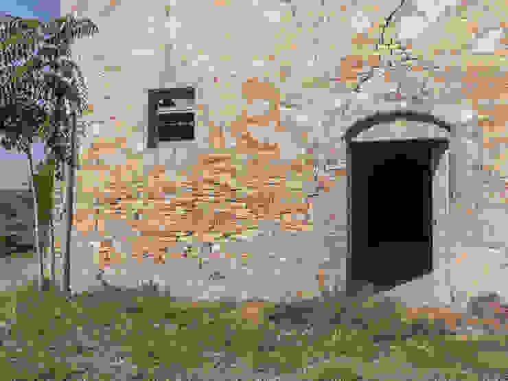 Il casolare e l'ingresso alla stalla PROPERTY TALES Casa rurale