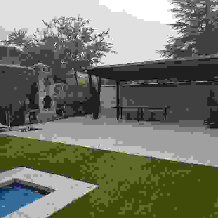 MULTISERVICIOS EGO INGENIEROS SL Country style garden