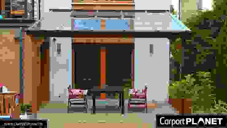 Carport Planet Balcones y terrazas de estilo moderno