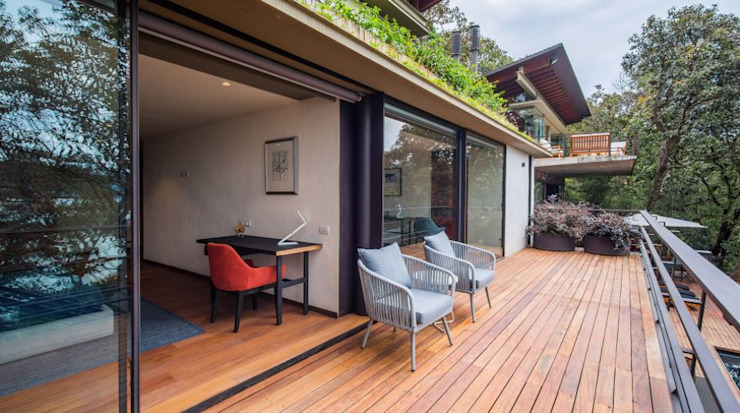 Casa de Campo en Valle de Bravo VA Studio México Balcones y terrazas modernos