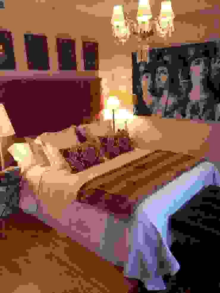 Estudio RYD, S.L. BedroomBeds & headboards Textile Brown
