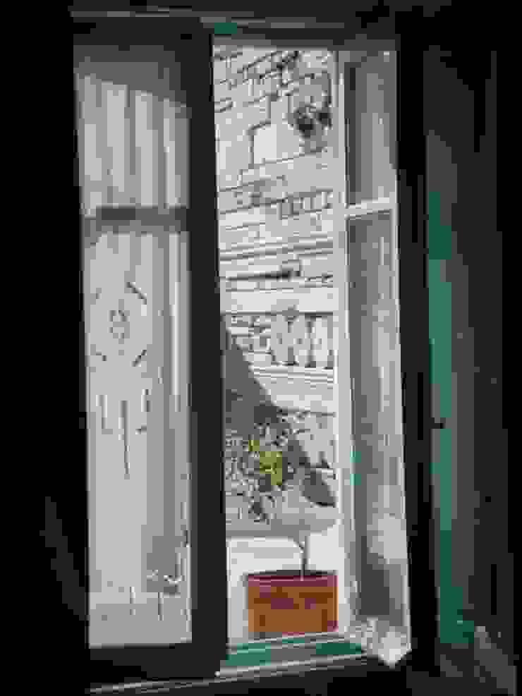 studio patrocchi Puertas y ventanas de estilo mediterráneo