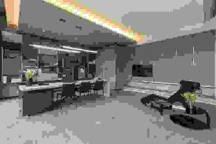 Nico Van Der Meulen Architects Modern study/office