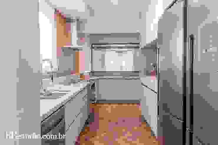 RP Estúdio - Roberta Polito e Luiz Gustavo Campos Modern Kitchen