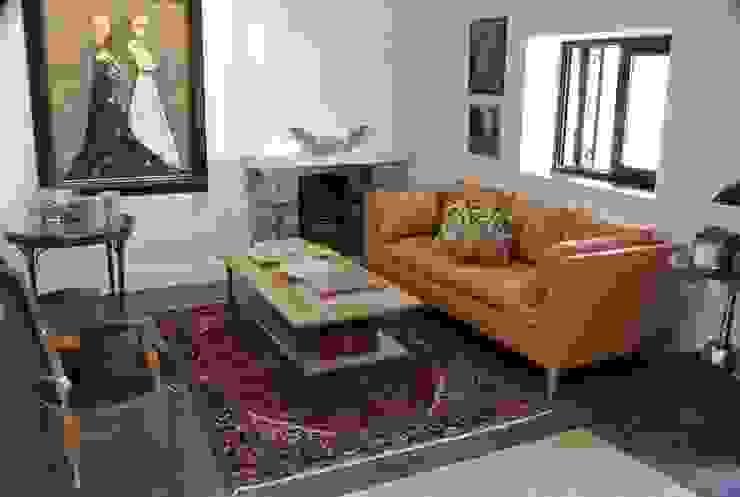 Estudio RYD, S.L. Living roomSofas & armchairs Leather Orange