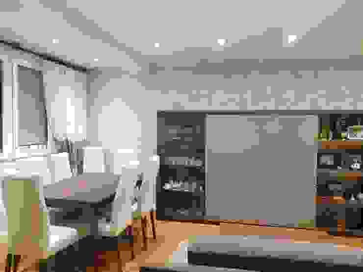 Estudio RYD, S.L. Living roomTV stands & cabinets Solid Wood Grey