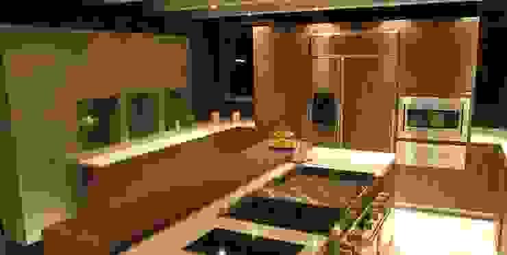 Cocina 01 Grupo Industrial Ferreti CocinaArmarios y estanterías Compuestos de madera y plástico Gris