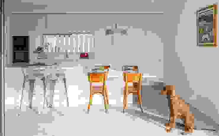 Rita Paião - Homify 家居用品配件與裝飾品 刨花板 White