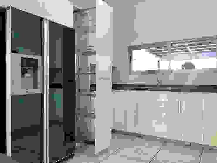 La Central Cocinas Integrales S.A de C.V Cocinas equipadas Blanco
