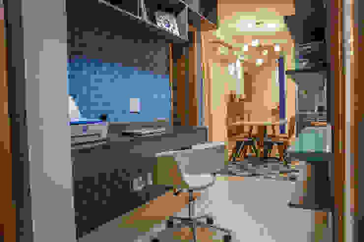 Camarina Studio Modern Study Room and Home Office Turquoise