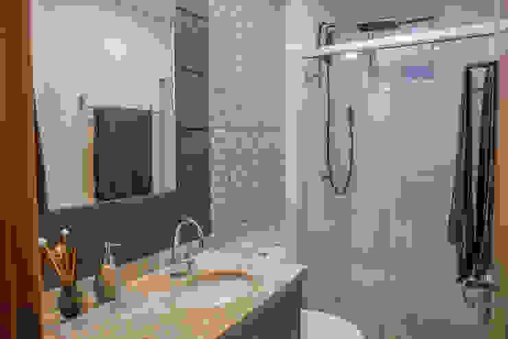 Camarina Studio Modern Bathroom Brown