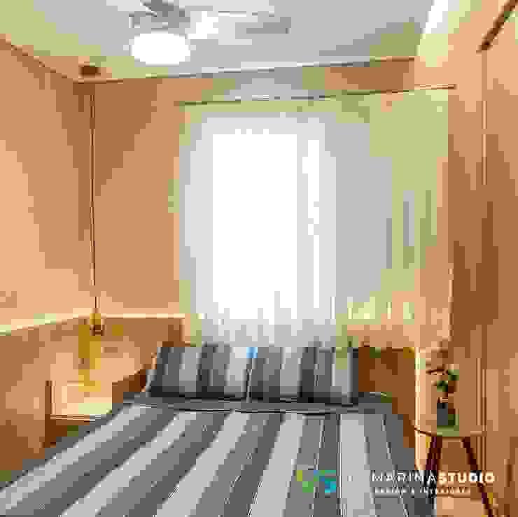 Camarina Studio Minimalist bedroom Amber/Gold