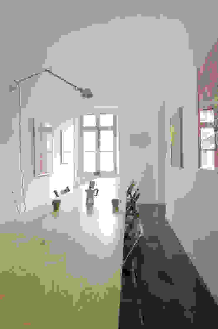 TAVOLO TRASFORMABILE/ configurazione longitudinale Cerra+Corbani Sala da pranzo minimalista