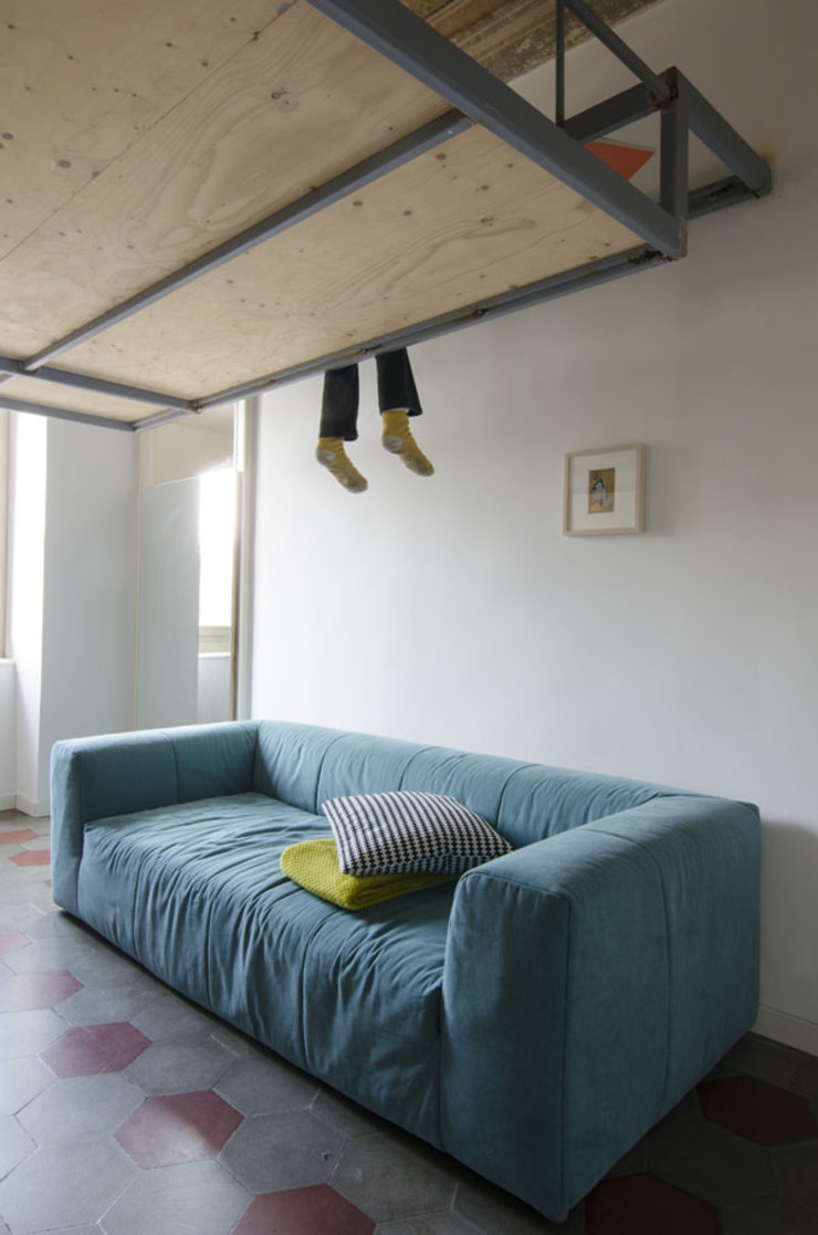 LETTO A SOPPALCO Cerra+Corbani Camera da letto minimalista