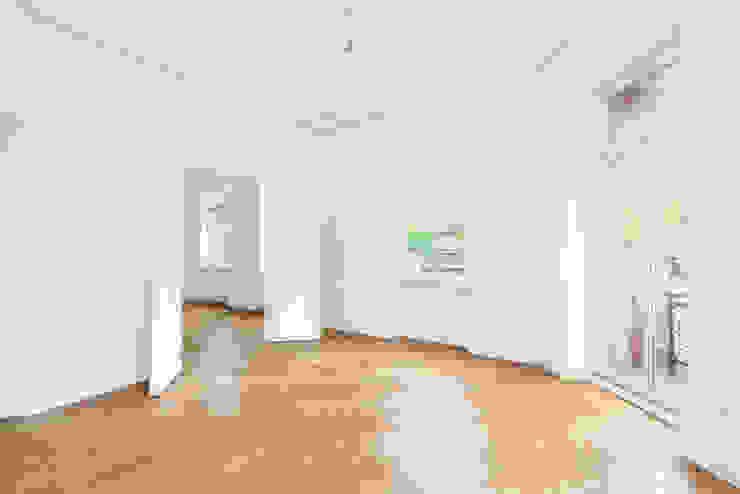 Altbausanierung | Modernisierung und Innenausbau| Wohnzimmer sanierungsprofi24 GmbH Klassische Wohnzimmer