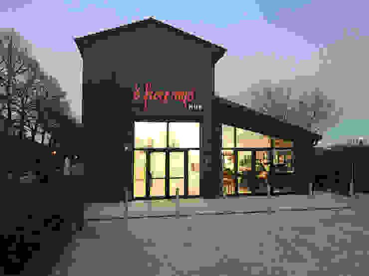O' Fiore Mio Hub / facciata e ingresso Bar & Club moderni di BARTOLETTI CICOGNANI Moderno