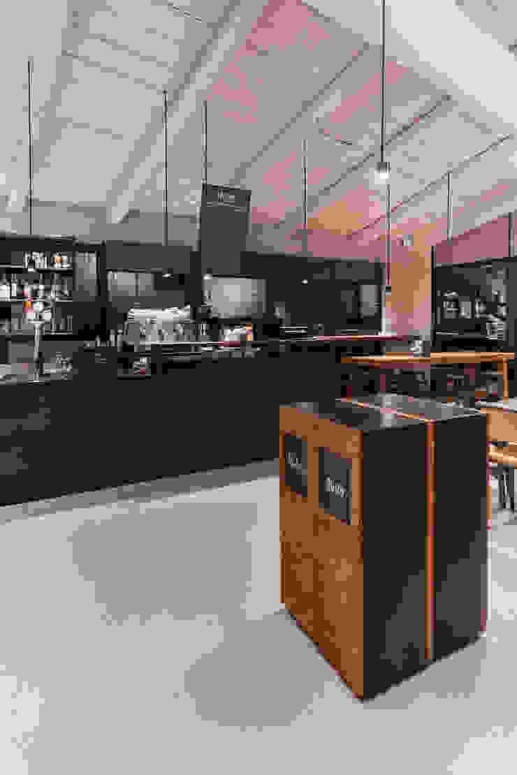 O' Fiore Mio Hub area somministrazione Bar & Club moderni di BARTOLETTI CICOGNANI Moderno