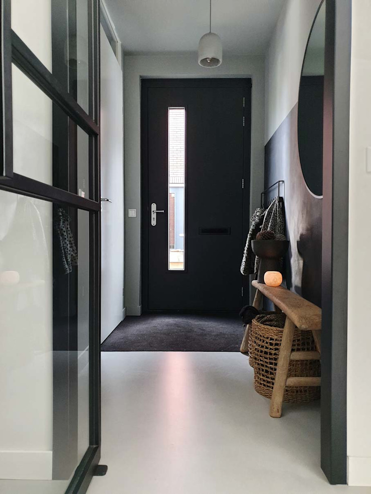 Pure & Original Couloir, entrée, escaliers modernes Gris