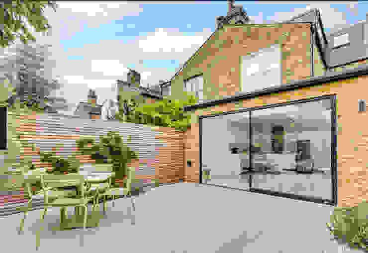 rear extension Cris&Me l.t.d. Modern balcony, veranda & terrace