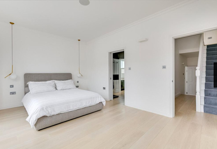 3 storey house central london—rear extension and roof extension Cris&Me l.t.d. Modern style bedroom