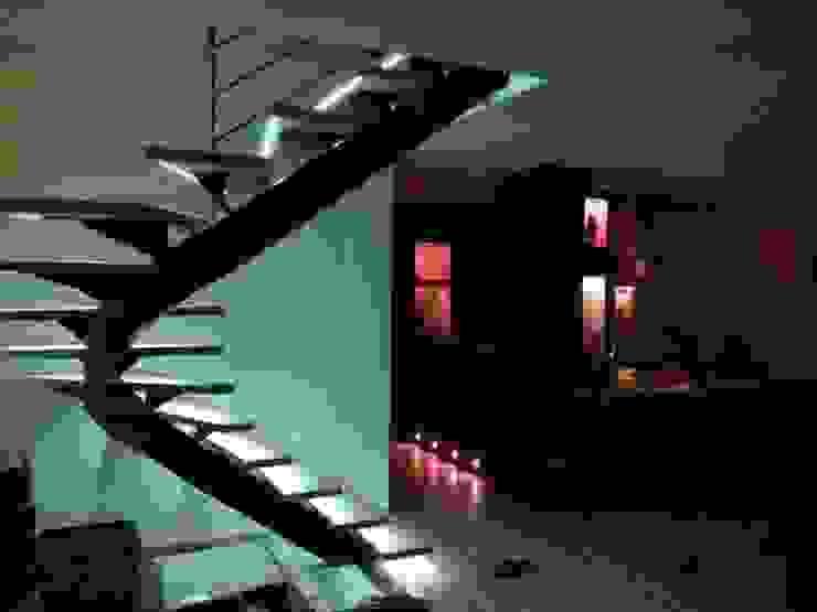escalier métallique limon central débillardé lumière LBMS. Fabrice Lamouille Escalier Métal